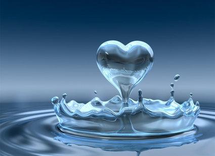 Kropla wody w kształcie serca