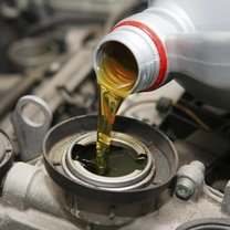 Uzupełnij płyny w samochodzie