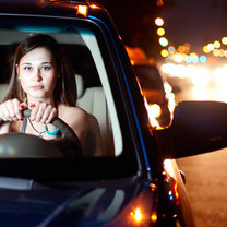jazda samochodem nocą