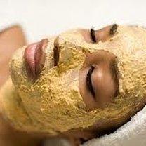 maseczka na twarzy