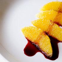 Owoce z syropem z wina