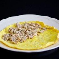 Omlet z pieczarkami i cebulą 13