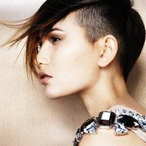 modna krótka fryzura