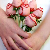Bukiet róż z truskawek