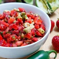 Salsa z truskawkami i awokado