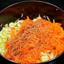 Surówka z kapusty i marchewki 5