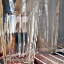 Szklanki w lodówce