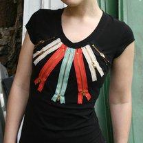 koszulka z zamkami