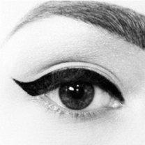 Makijaż kocie oko krok 4