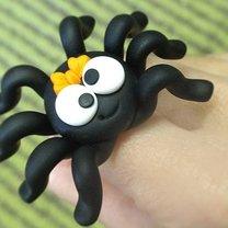 pająk z modeliny