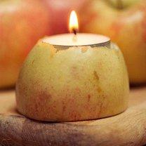 Świecznik z jabłka