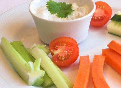 Warzywa z dipem jogurtowym