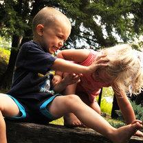 Kłócące się dzieci