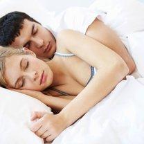 pozycja snu w związku