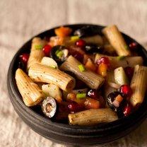 sałatka z penne i warzywami