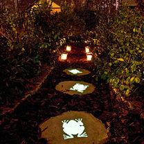 Świecące kamienie ogrodowe