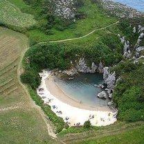 Plaża Gulpiyuri, Asturias, Hiszpania