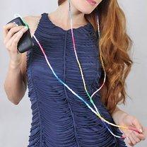Kable od słuchawek ozdobione muliną