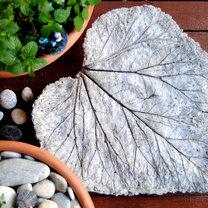 Rzeźba ogrodowa liść