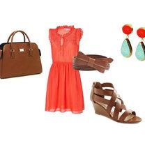 koralowa sukienka - brązowe dodatki