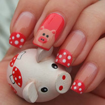 Świnka na paznokciach