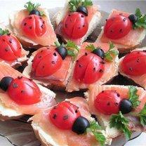 Biedronki z pomidorów