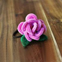 kwiatek z drucików kreatywnych