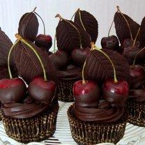 babeczki z wiśniami i czekoladą