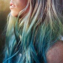 włosy farbowane kredą