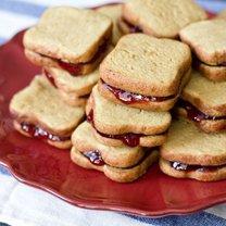 Ciasteczka z masłem orzechowym i dżemem