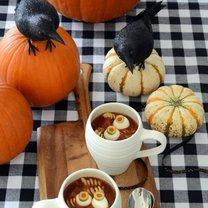 zupa mięsna na Halloween
