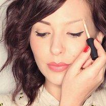 makijaż brwi - krok 1