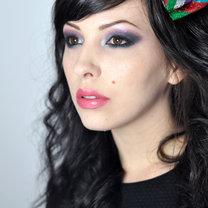 srebrno-fioletowy makijaż