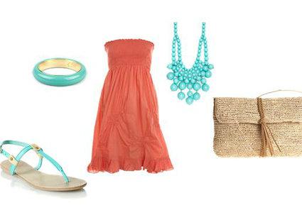 koralowa sukienka - błękitne dodatki