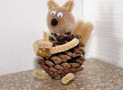 wiewiórka z szyszki
