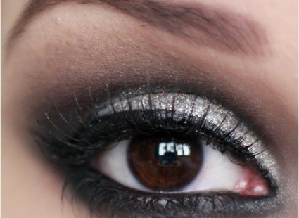 Jak Zrobić Srebrny Makijaż Sylwestrowy Porada Tipypl