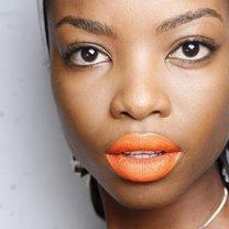makijaż wiosna 2014 - pomarańczowe usta