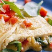 omlet ze szpinakiem i serem