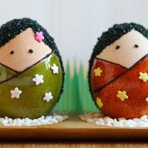 pisanki japońskie laleczki