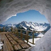 śnieżny tunel Chamonix