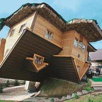 pochyły dom - Szymbark