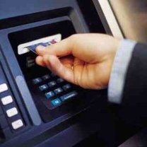 jak bezpiecznie korzystać z wpłatomatu