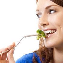 jedzenie brokuła