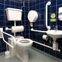 mieszkanie dla osoby niepełnosprawnej - łazienka
