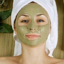 zielona maseczka do twarzy