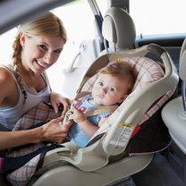 niemowlę w samochodzie