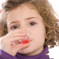 podawanie antybiotyku dziecku
