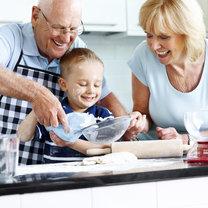 Faworyzacja wnuków - jak zwrócić dziadkom uwagę