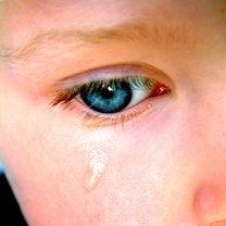 Co zrobić gdy dziecku wpadnie cos do oka
