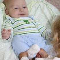 ubieranie niemowlaka